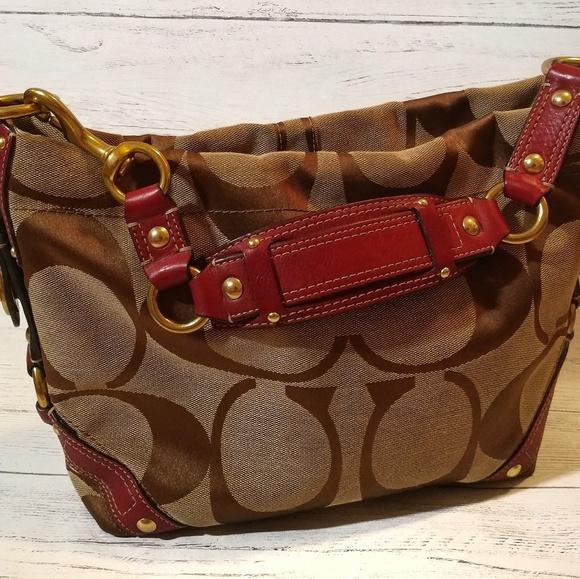 Coach Handbags - 🔘 Wine Leather Coach Handbag